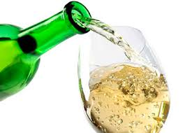 vino-versato-bianco