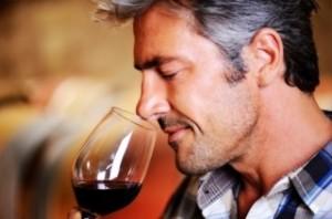 uomo vino