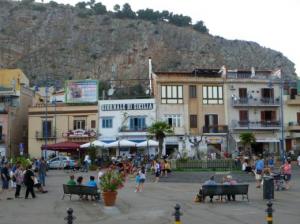 mondello piazza