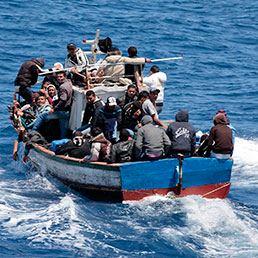 barcone-immigrati-258